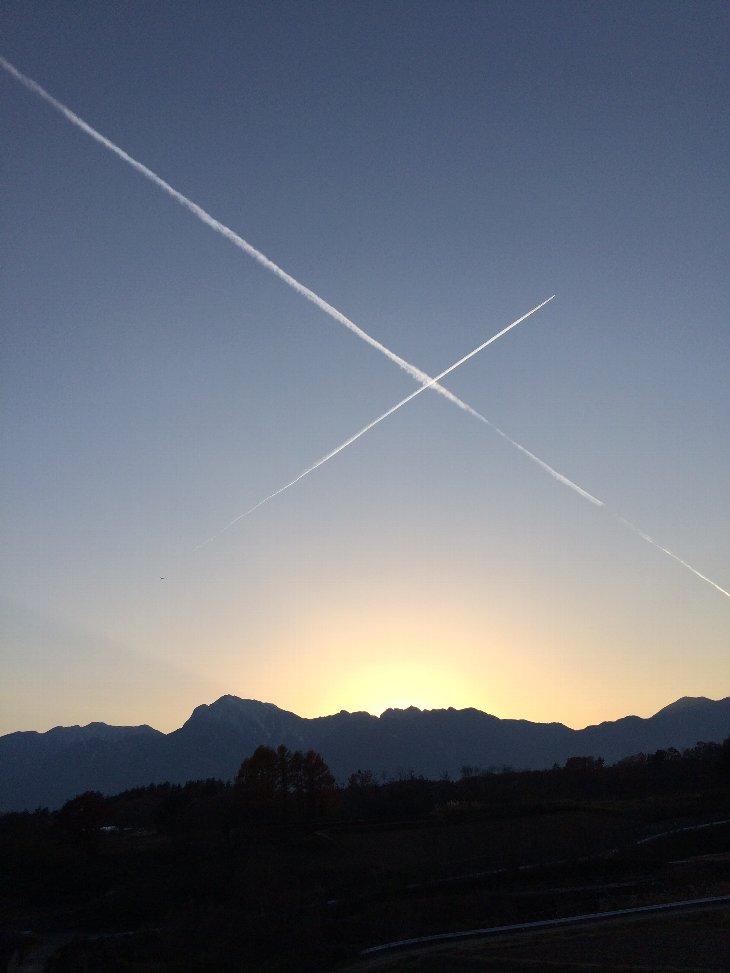天上の十字架.jpg