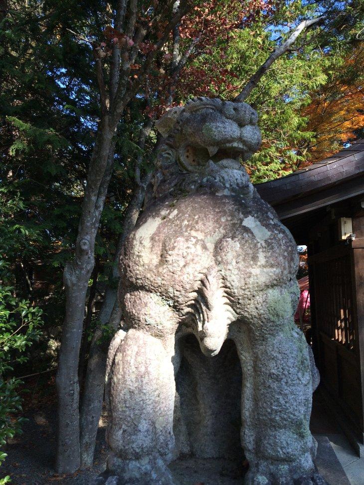 穂高神社の狛犬.jpg
