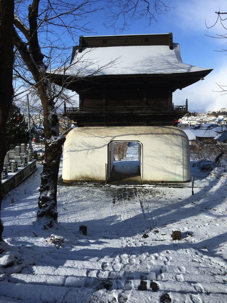 なよたけの碑のある寺.jpg
